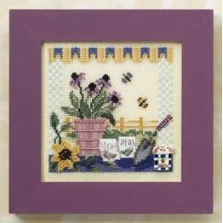 Стол в саду, набор для вышивания бисером и нитками на перфорированной бумаге, 13х13см Mill Hill