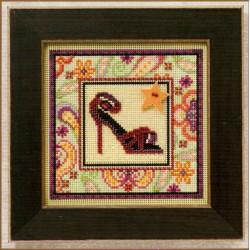 Туфелька, набор для вышивания бисером и нитками на перфорированной бумаге, 13х13см Mill Hill