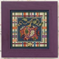 Украшенная тыква, набор для вышивания бисером и нитками на перфорированной бумаге, 13х13см Mill Hill