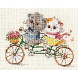 Басик и Ли-Ли. Счастливый день, набор для вышивания крестиком, 20х15см, 24цвета Алиса