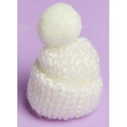 Белый, шапочка вязяная с помпоном d3см SL