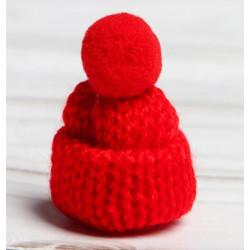 Красный, шапочка вязяная с помпоном d3см SL