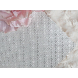 Белый крестик, кожа искусственная 33х69(±1см) плотность 440 г/кв.м.