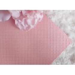Розово-персиковый в квадратик, кожа искусственная 33х69(±1см) плотность 440 г/кв.м.
