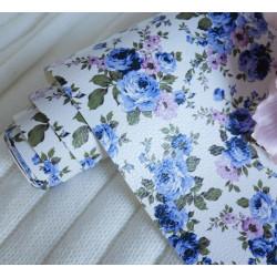 Голубые цветы на белом, кожзам для скрапбукинга 33х70(±1см)
