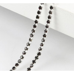 Багряный, цепочка из стеклянных страз в цапах(серебро) 2,5мм SS08, 1м