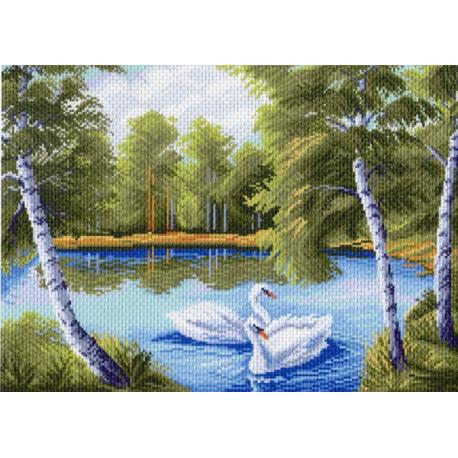 Лебеди в пруду, канва с рисунком для вышивки нитками 37х49см. Матрёнин посад