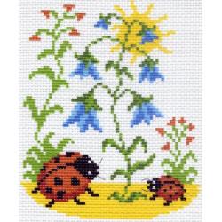 Божьи коровки, канва с рисунком для вышивки нитками 16х20см. Матрёнин посад