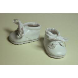 Ботинки белые, длина стопы 7см. Кукольная обувь