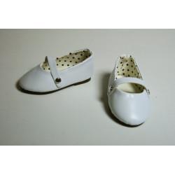 Туфли белые с ремешком, длина стопы 7см. Кукольная обувь
