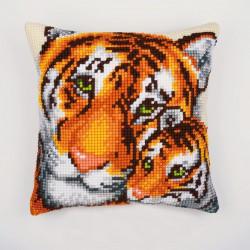 Тигрица с тигренком, подушка для вышивания, канва 100% хлопок, нитки 100% акрил 40х40 см