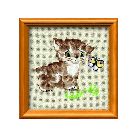 Котенок с бабочкой, набор для вышивания крестиком, 15х15см, нитки шерсть Safil 8цветов Риолис