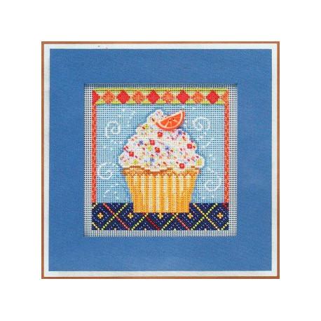 Ванильное пирожное, набор для вышивания бисером и нитками на перфорированной бумаге, 13х13см