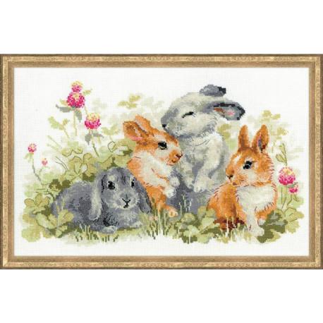 Забавные крольчата, набор для вышивания крестиком, 40х25см, нитки шерсть Safil 24цвета Риолис