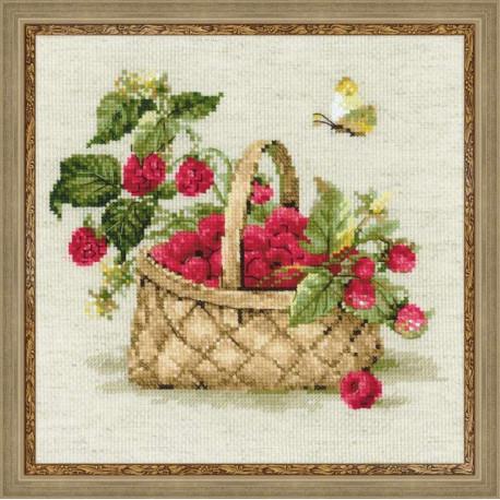 Малина в лукошке, набор для вышивания крестиком 30х30см нитки шерсть Safil 22цвета Риолис