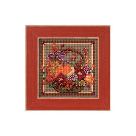 Осенний букет, набор для вышивания бисером и нитками на перфорированной бумаге, 13х13см Mill Hill