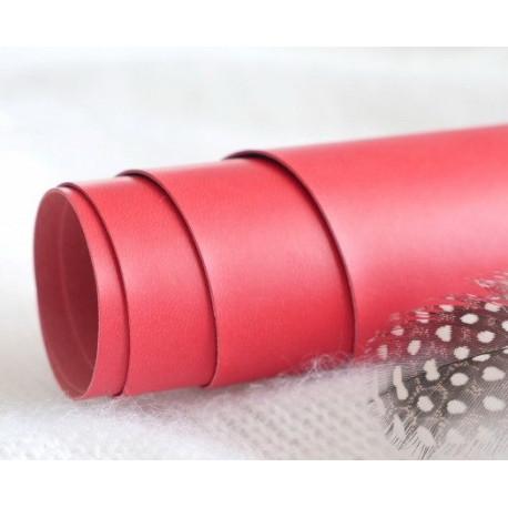 Красный, переплетный кожзам для скрапбукинга 33х70(±1см) Италия