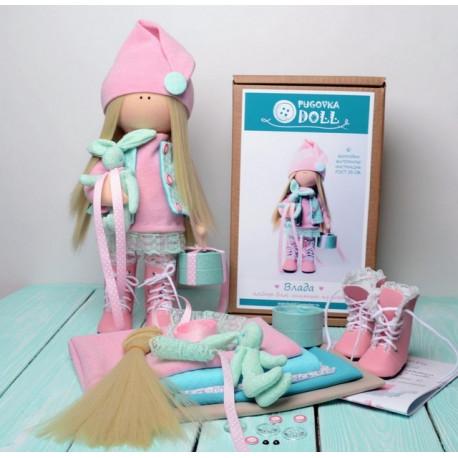 Влада в сапогах, набор для шитья куклы 35см. Pugovka Doll
