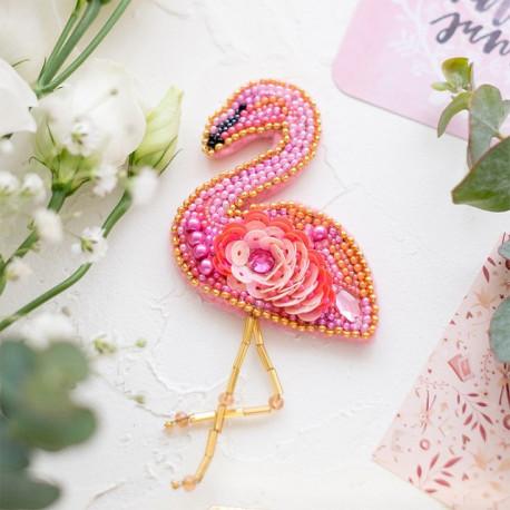 Фламинго, набор для изготовления броши из бусин и бисера на натуральном холсте, 6х6см Брошь AbrisArt