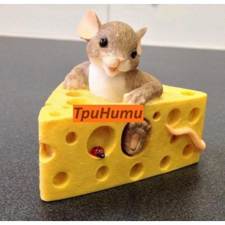 Мышка на сыре S, 3D силиконовая форма для мыла 60х65мм
