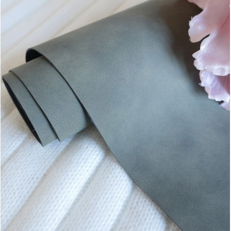 Темно-зеленый, кожзам Soft touch для скрапбукинга 33х70(±1см) толщина 0,8мм