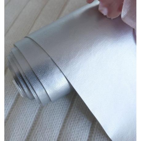 Серебро, однотонный кожзам для скрапбукинга 33х70(±1см)