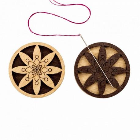 Цветок в круге, двусторонний магнитный держатель для игл фанера 3,5см ВС