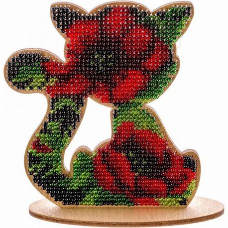 Кошка в красных розах, набор для вышивания бисером на перфорированной основе двп 9,5х10,5см 7цв ВС