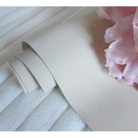 Серо-бежевый, кожзам Soft touch для скрапбукинга 33х70(±1см) толщина 0,8мм