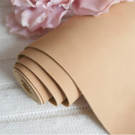 Бежевый, кожзам Soft touch для скрапбукинга 33х70(±1см) толщина 0,8мм