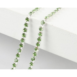 Зеленый, цепочка из стеклянных страз в цапах(серебро) 2.5мм SS08, 1м
