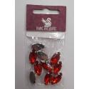 Красный, стразы в цапах форма лепесток 9х18мм, 10шт