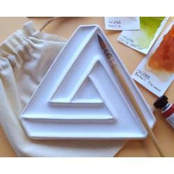 Невозможный треугольник, палитра керамическая 16х16см 4яч. 3места для кистей вес 240гр LP