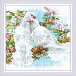 Белые голуби, набор для вышивания крестиком 25х25см нитки шерсть Safil 22цвета Риолис