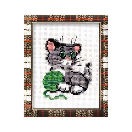 Котенок с клубком, набор для вышивания крестиком, 15х18см, нитки шерсть Safil 7цветов Риолис