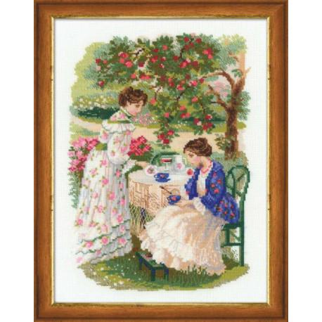 Русская усадьба.Чай под яблоней, набор для вышивания крестиком, 30х40см, нитки шерсть Safil 24цвета