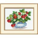 Клубника, набор для вышивания крестиком, 30х24см, нитки шерсть Safil 14цветов Риолис